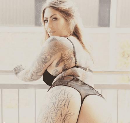 Mia Blow (6)