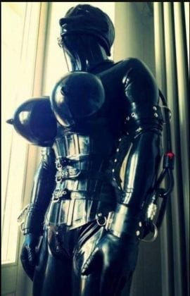 Goth Rubberdoll From Hell (2)