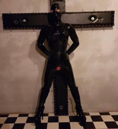 Goth Rubberdoll From Hell (8)