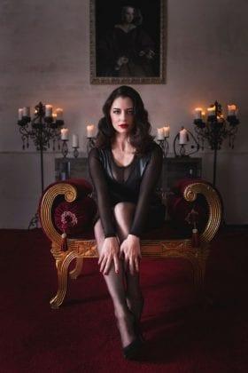 Mistress Bella Lugosi (1)